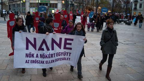 Néma Tanúk tüntetés – zéró tolerancia a nők elleni erőszakkal szemben