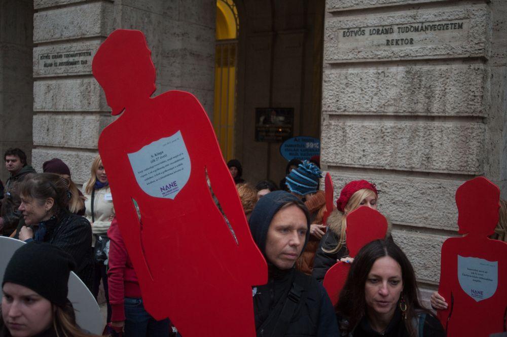 Néma Tanúk tüntetés - zéró tolerancia a nők elleni erőszakkal szemben