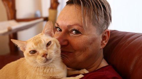 """""""Én alomlapáttal a kezemben fogok fölfordulni"""" – meglátogattuk a világbajnok magyar macska gazdáit"""