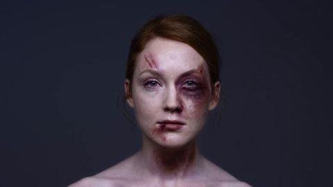 Középkor 2015-ben: 4 sokkoló adat a nők elleni erőszakról világszerte