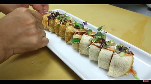 Big Macből csinál szusitekercset a mesterséf
