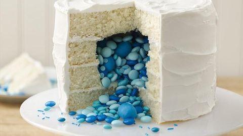 Meglepetések, amiket elrejthetsz egy torta belsejében – képek