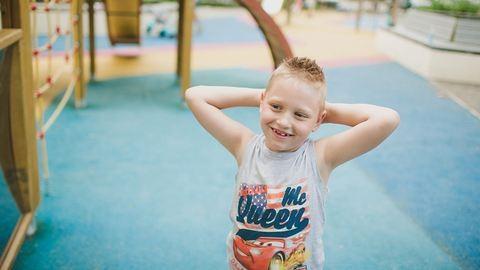 Álomesküvő segíthet jobb élethez egy beteg magyar kisfiút