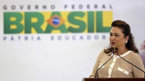 Vörösborral öntötte le a brazil miniszter a szenátort szexista megjegyzéséért