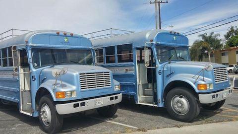 Apa és fia szupermenő lakókocsit varázsolt a kiszuperált iskolabuszból