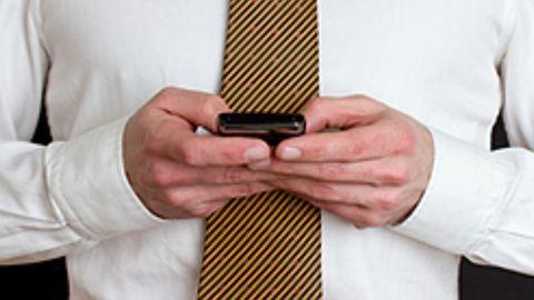 Évről évre csökken az SMS-forgalom az ünnepek idején