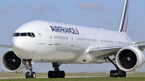 Gyanús csomag volt egy Air France-gép mosdójában