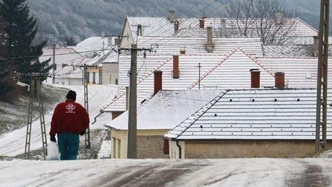 Megérkezett a hó és a hideg hazánkba, fehérben a táj - fotók