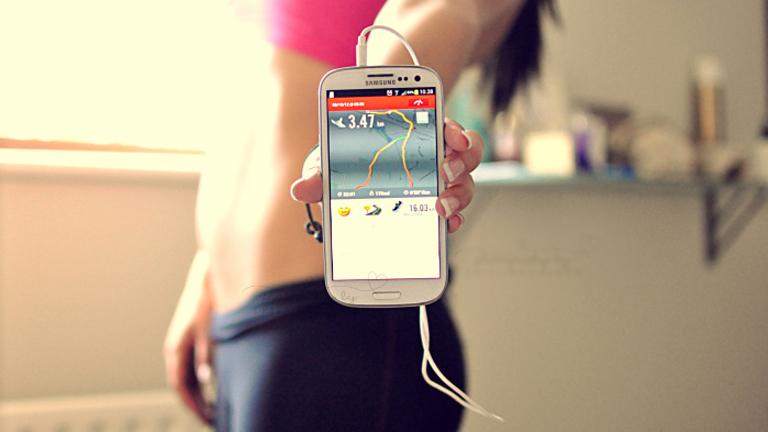 Az okostelefon helyettesíthet személyi edzőt, futópartnert, motivációs coach-ot is (Fotó: Tumblr)