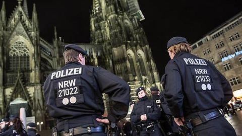 Németországi molesztálás: ismeretlenek külföldiekre támadtak Kölnben