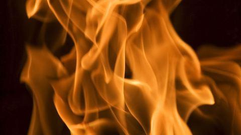 Féltékenységből feleségére gyújtotta a szobát a 83 éves bácsi
