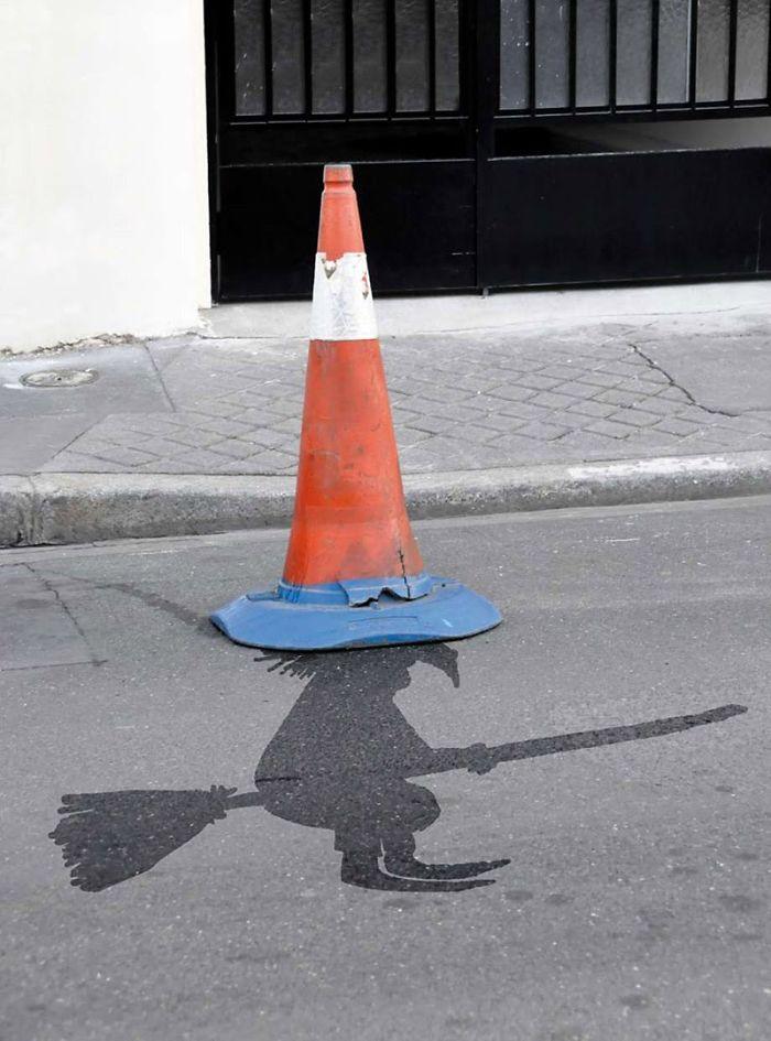 Mókás átalakításokkal dobja fel Párizs utcáit a művész - fotók