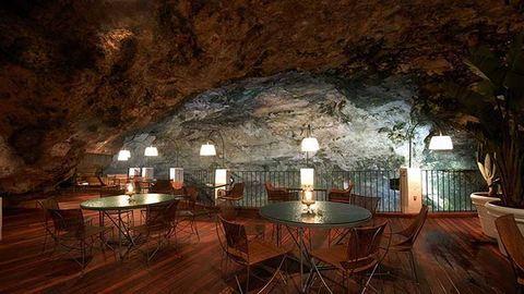 Fogadjunk, hogy te is megvacsoráznál ebben a barlangba rejtett étteremben – lenyűgöző fotók
