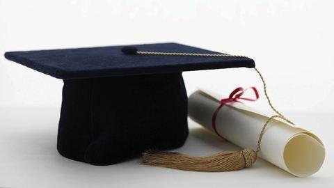Az uniós átlag alatt van a magyar diplomások száma