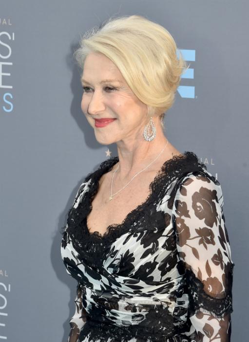 Mindenki a 70 éves Helen Mirren ruháját akarja