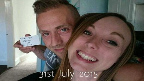 Megható: hónapokig fotókon rejtette el lánykérését a srác
