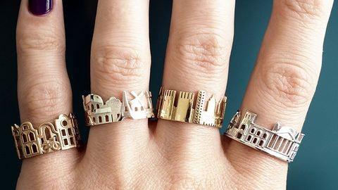 Városképeket mintázó gyűrűk a legjobb szuvenírek – fotók