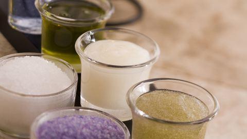 Így készíts vegyszermentes kézkrémet házilag!