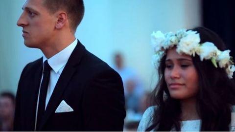 Itt az egyik legmeghatóbb esküvői videó, amit az utóbbi időben láttunk