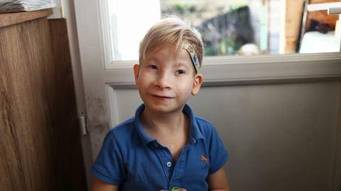 A magyar kisfiú, akinek évente három születésnapja van