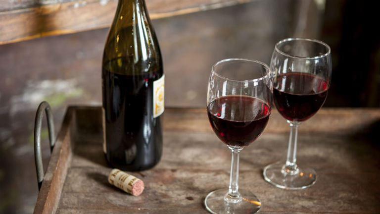 Egy pohár bor annyit érhet, mint egy óra edzés?