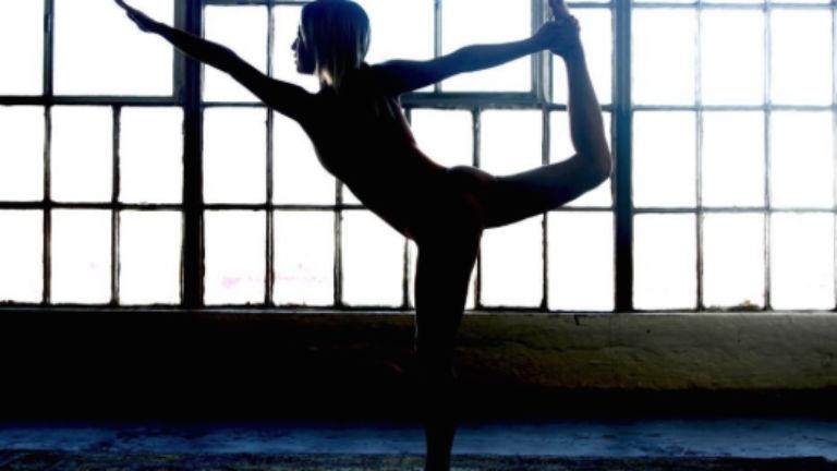 Egy ok, hogy miért próbáld ki a topless jógát