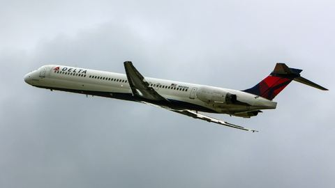 Verekedő stewardessek miatt hajtott végre kényszerleszállást egy repülő