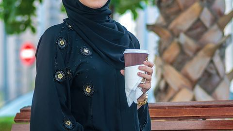 Szaúd-Arábiában kitiltották a nőket a Starbucksból