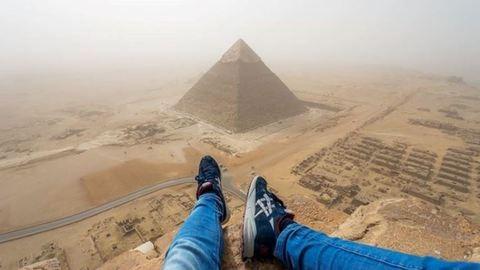 Örökre kitiltották Egyiptomból a piramist megmászó turistát