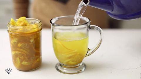 Így készül a tökéletes influenza elleni tea – videó