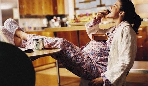 Egy várandós nő egyen minden áldott nap csokoládét