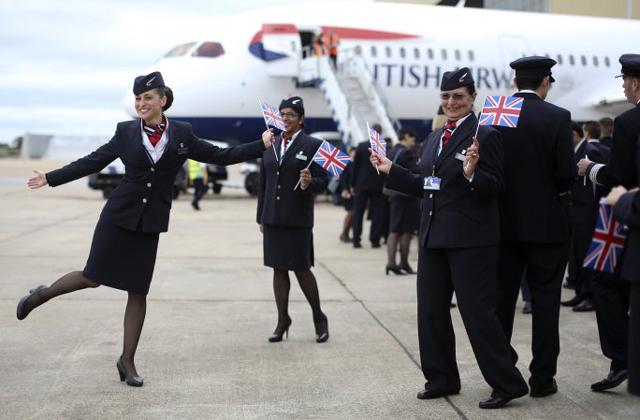 Engedélyezték a nadrágviselést a British Airways stewardesseinek