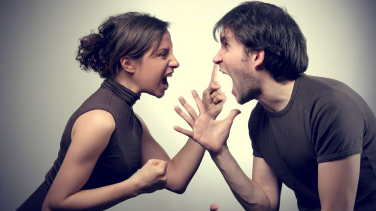 Dühösen ne akarjuk megbeszélni a problémákat