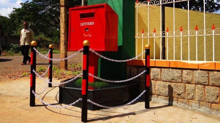 Van, ahol védik a postaládákat