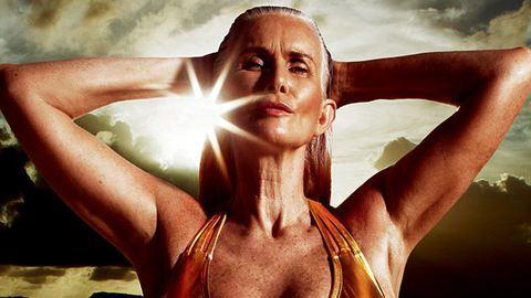 56 éves modell feszít a bikinis magazinban – fotók