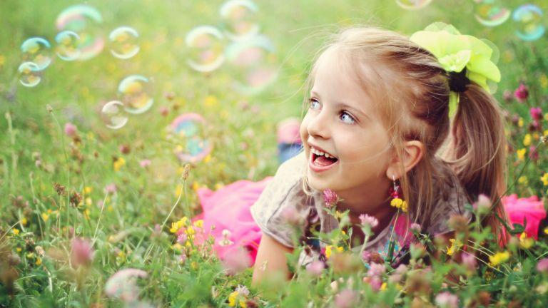Bizonyos tulajdonságokat érdemes átmenteni a gyerekkorból