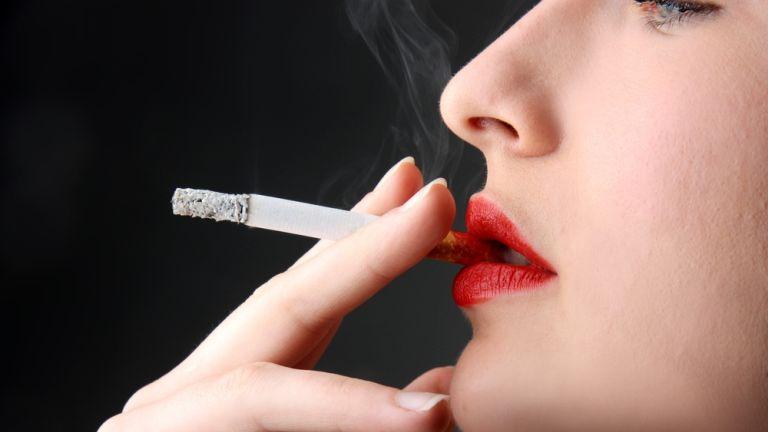 A dohányosok bőre csak a filmeken szép