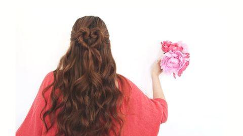 Valentin-nap: készíts romantikus frizurát!