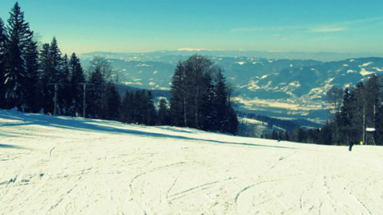 Jó hír a téli sportok szerelmeseinek: ismét lehet síelni a Bükkben