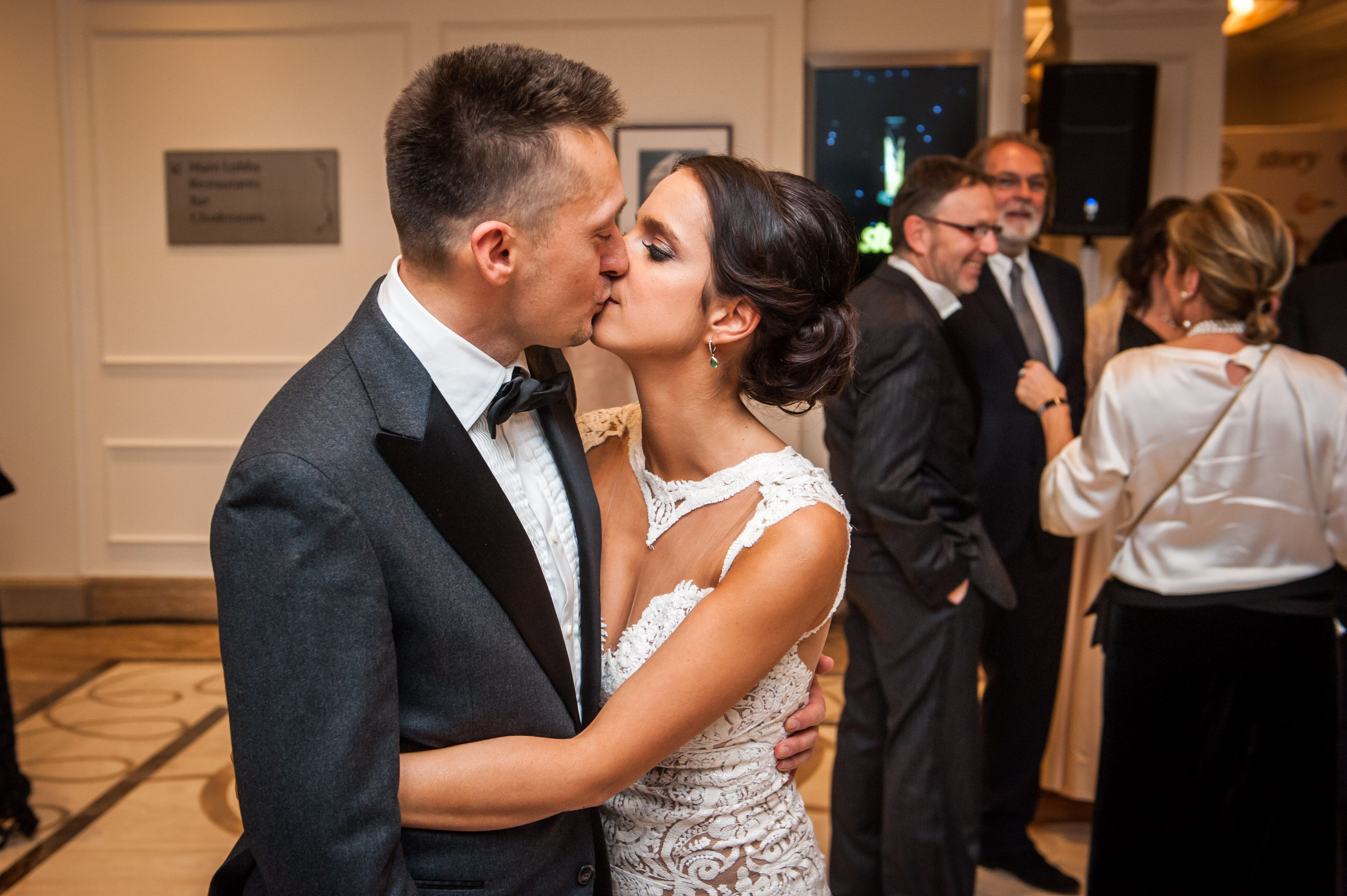 Story-gála: nézegess csókolózó szerelmespárokat Valentin-napon!