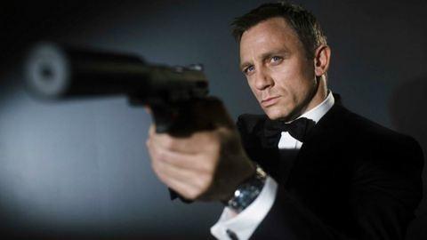 Nyugodjunk meg, Daniel Craig nem vágja fel az ereit