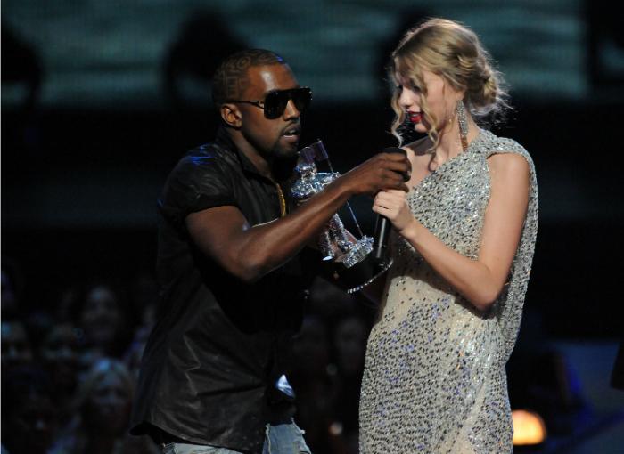 2009-ben Kanye a színpadon szakította meg Taylor Swift köszönőbeszédét