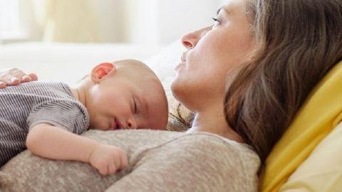 Nagyobb esélyük van a stroke-ra és a szívinfarktusra a negyven felett szülő nőknek