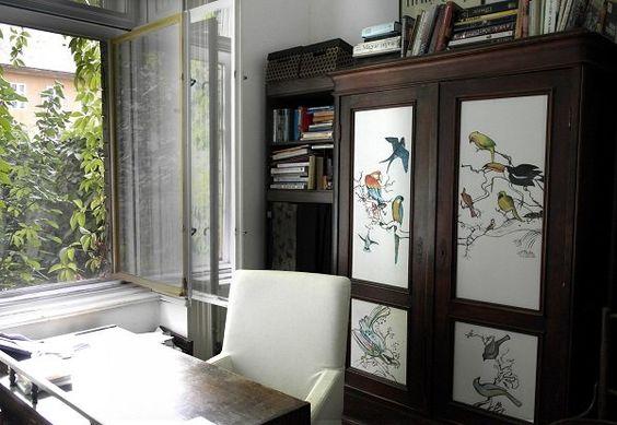 A szekrény szebb, mint új korában, ráadásul a környezetét is feldobja! Ebben az esetben nagyon jó választás volt a fehér alap!
