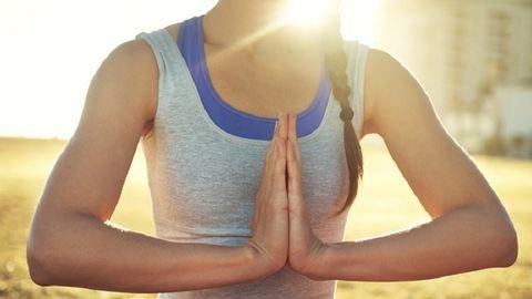 5 perc jóga, és beindul a reggel!