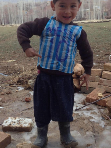 Megkapta a Messi mezt az Afganisztánban élő kisfiú - fotó
