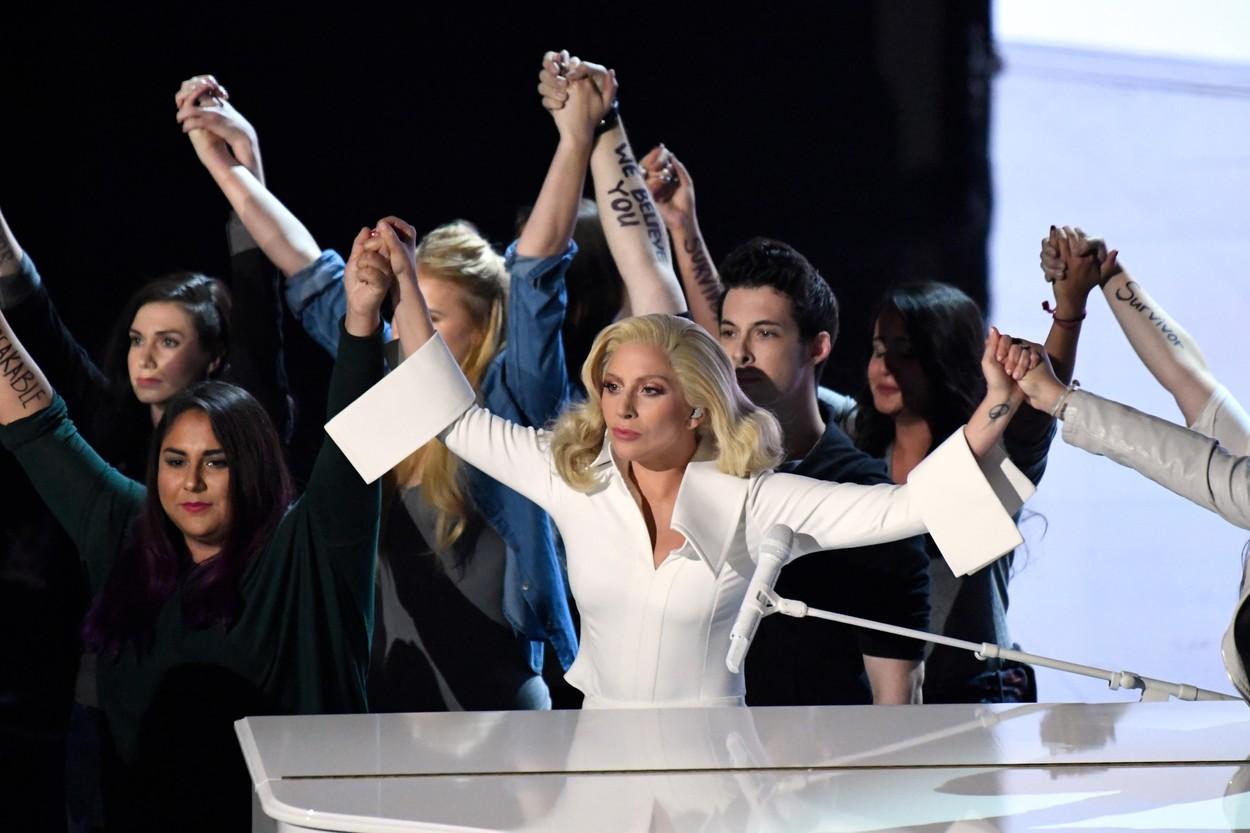 Leonardo DiCaprio és a Saul fia is Oscar-díjas, Lady Gaga és Stallone elbukta a szobrot