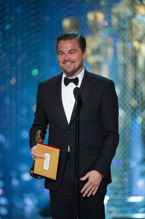 Leonardo DiCaprio bemutatott az Oscar gálán