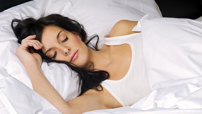 Így aludj, ha fogyni akarsz