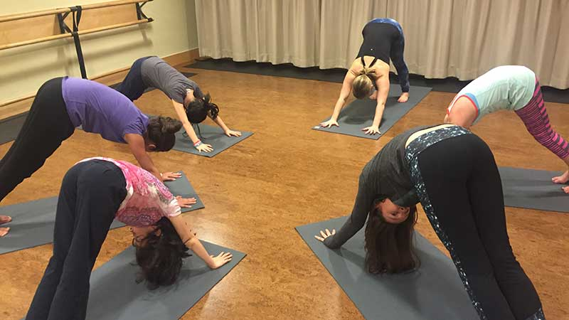 A gyerekek immunrendszerét is erősíti a jóga